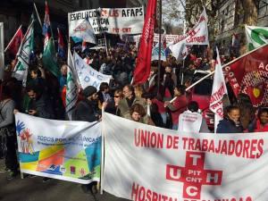 Frente al Ministerio de Economía y Finanzas